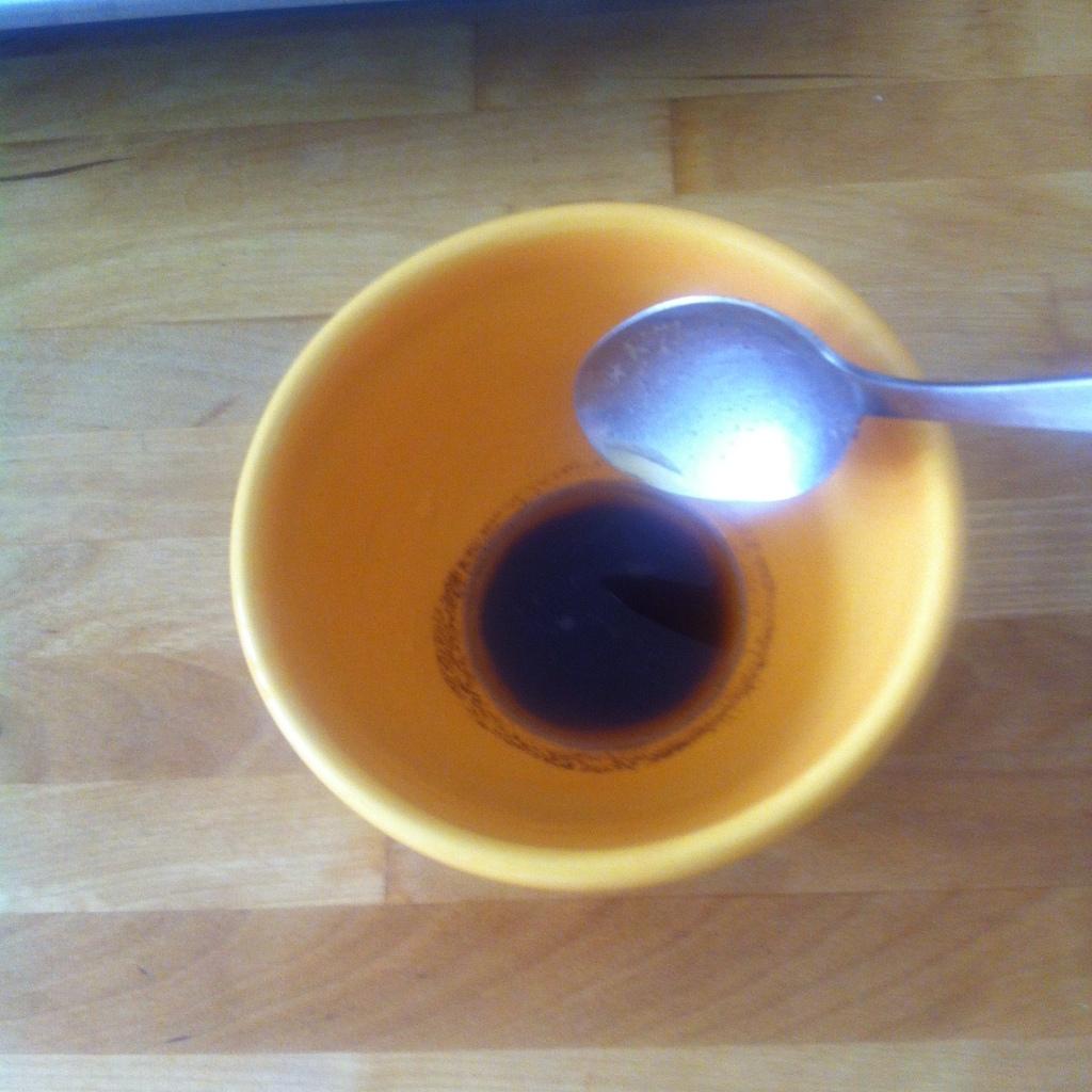 Nun etwas Mokka in die Tasse füllen ...
